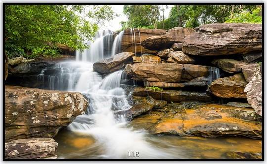 Könighaus Infrarotheizung mit Motiv Wasserfall 11