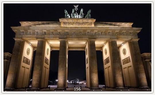 Könighaus Infrarotheizung mit Motiv Brandenburger Tor 156